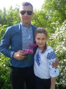 4-Б Висіканцева Аня з татом
